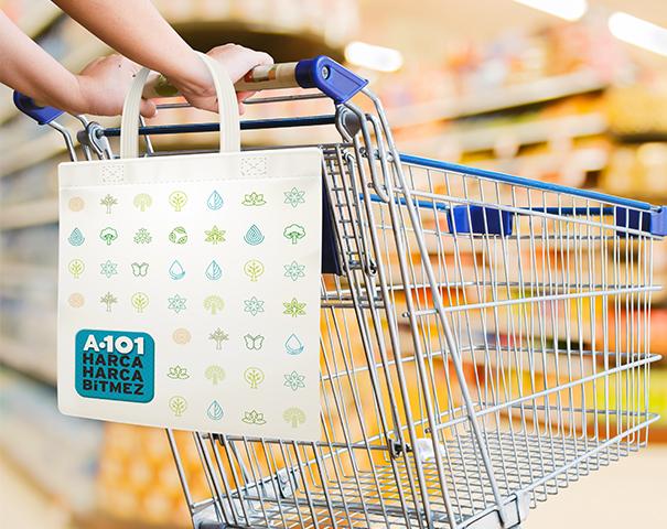 A101 mağazalarında 50 TL ve üzeri alışverişe A101 logolu Bez Çanta hediye!